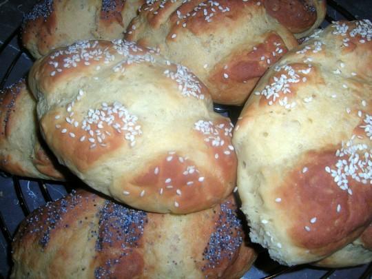 Brötchen aus glutemfreien Mehl ohne Hefe gebacken