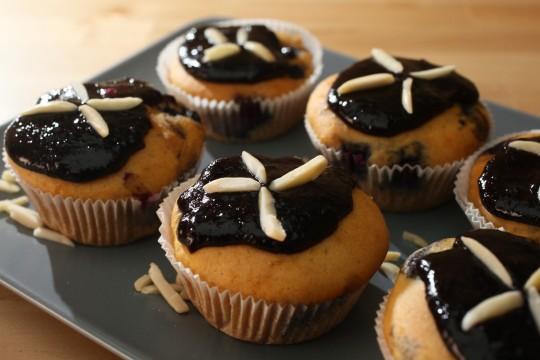 Muffins mit Heidelbeerfruchttopping fruktosearm